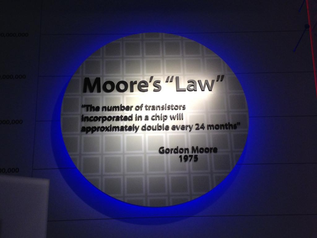 Moore's law ligger till grund för att Artificiell Intelligens blivit så mycket bättre de senaste åren